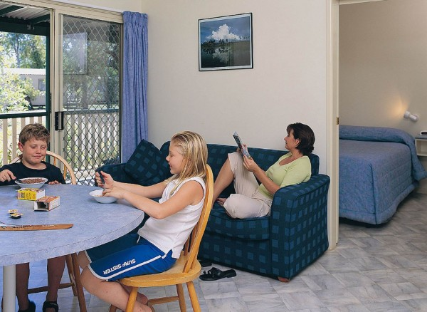 Kakadu-Lodge-One-bed-cabin